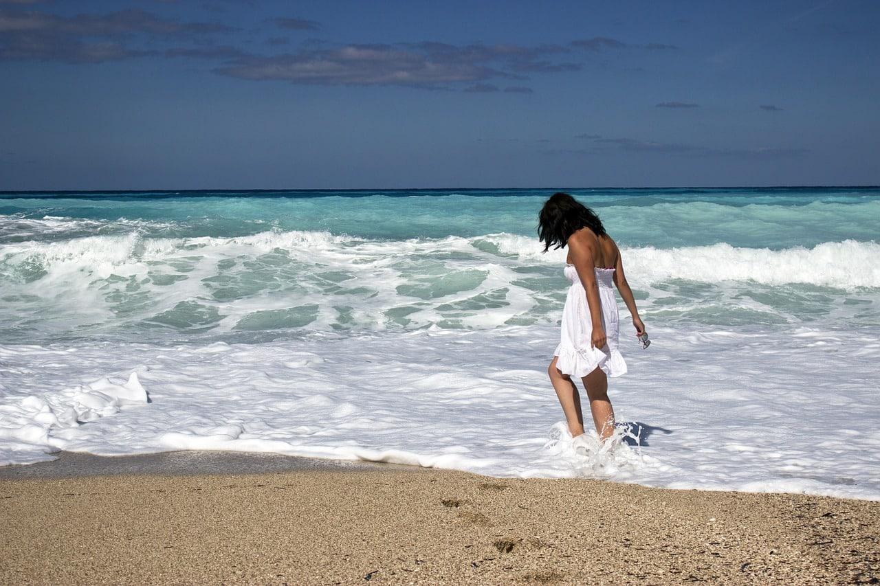 Liebeskummer überwinden - Urlaub am Strand