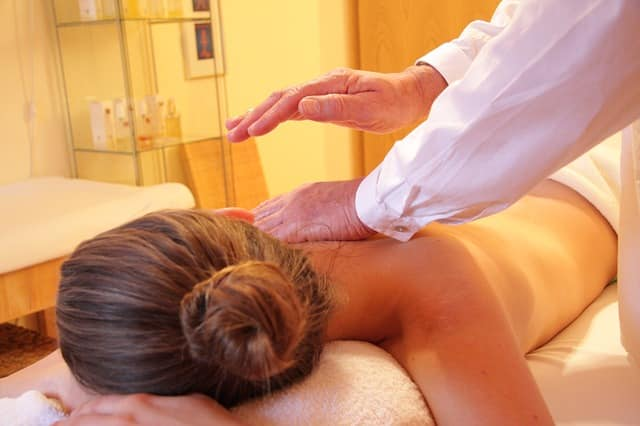 richtig massieren body2body massage