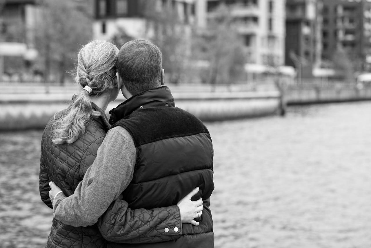 Wie verlieben sich Männer - Jedenfalls nicht durch frühen Sex