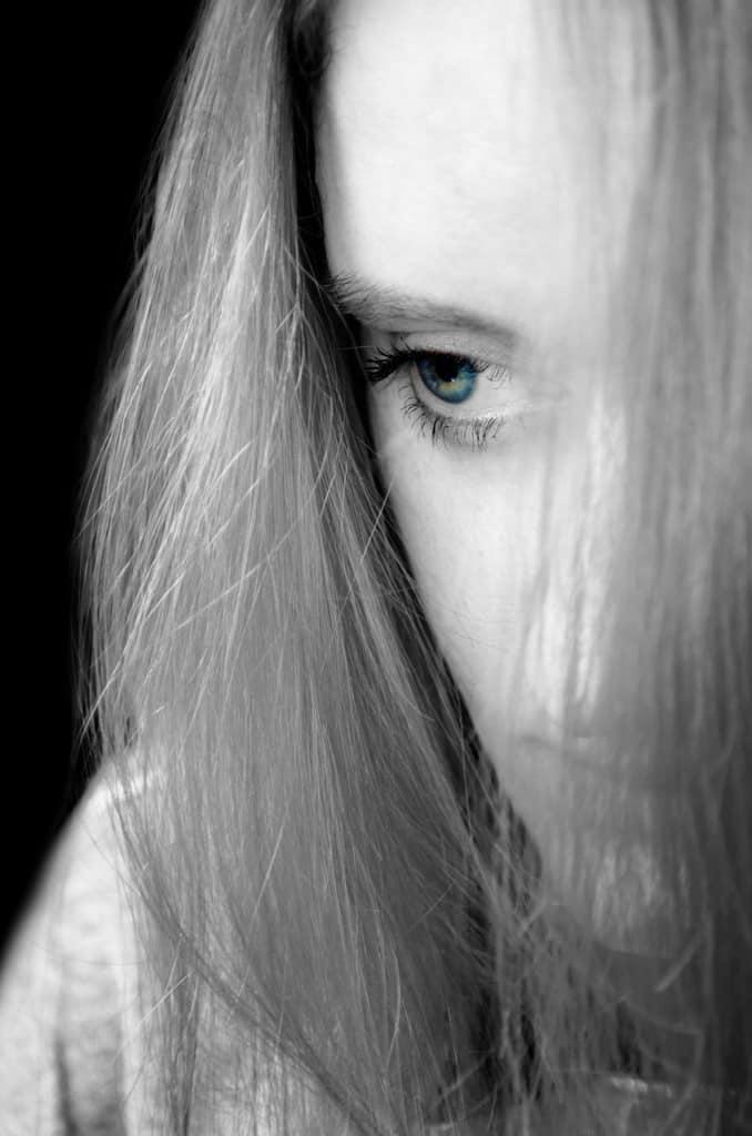 Verlustangst in einer Beziehung kann durch Alkoholismus der Eltern ...