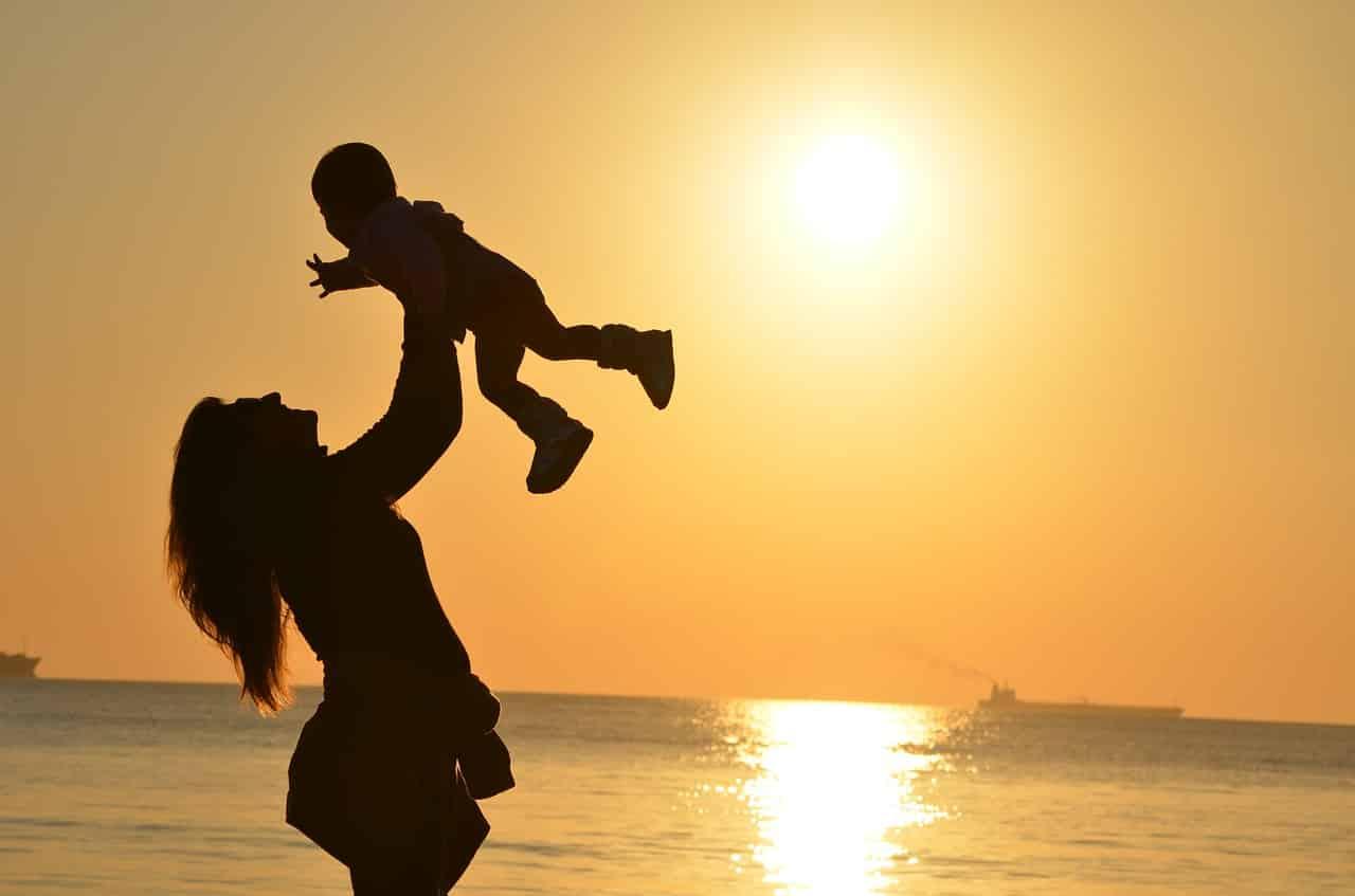 Mutter Tochter Beziehung - Bindung wird schon am Anfang geschaffen