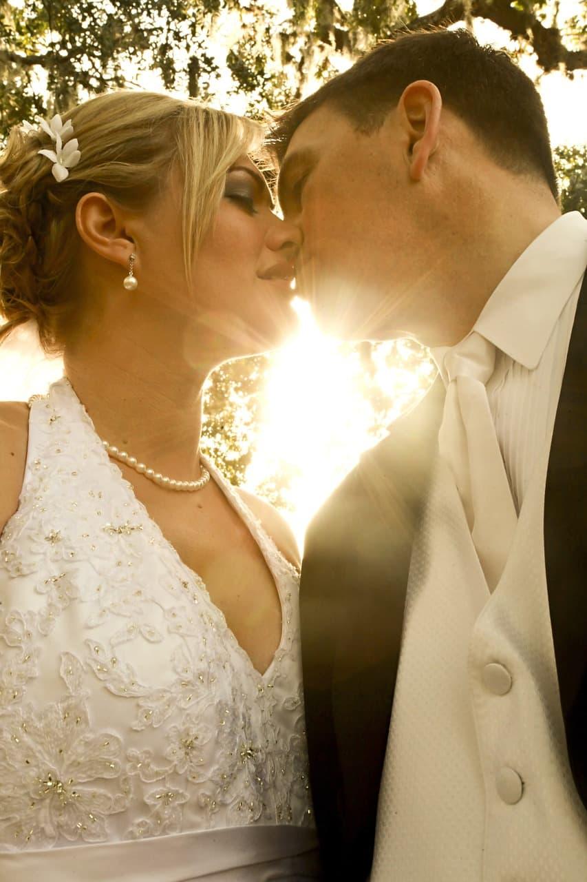 In einer Beziehung ist vielen Männern die Planung einer Hochzeit einfach zu früh
