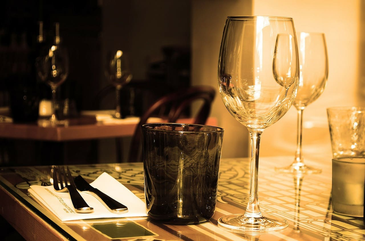 Jahrestag Beziehung - Restaurant essen gehen
