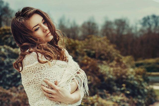 Hübsche Frau - Wie Männer sich verlieben