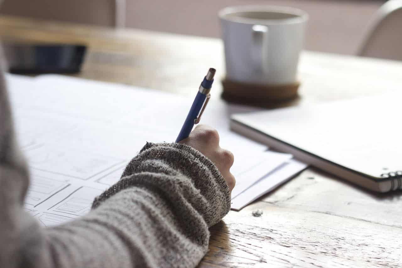 Schreiben Sie alles über die Schüchternheit auf