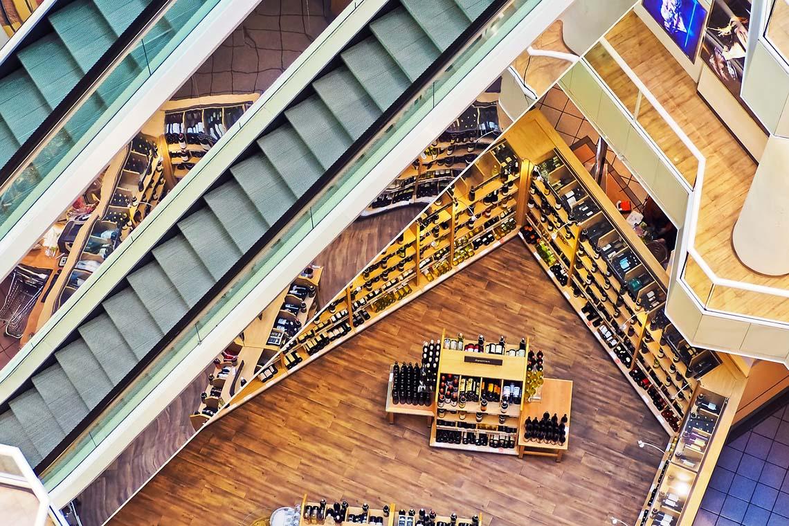 Ansicht von verschiedenen Etagen in einem Kaufhaus
