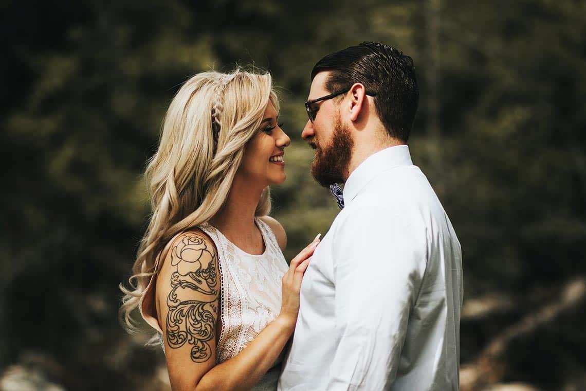 Mann verliebt machen - gemeinsam lächeln und lachen