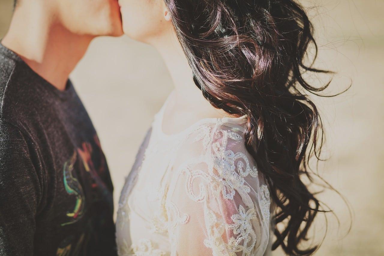 Stier Mann erobern - junges Paar