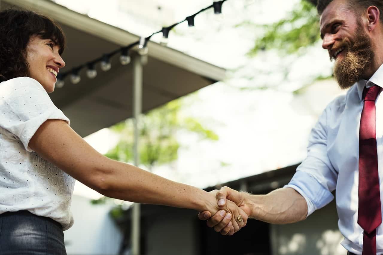 Monogame Beziehung - Kennenlernen